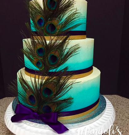 A Feather Theme Cake